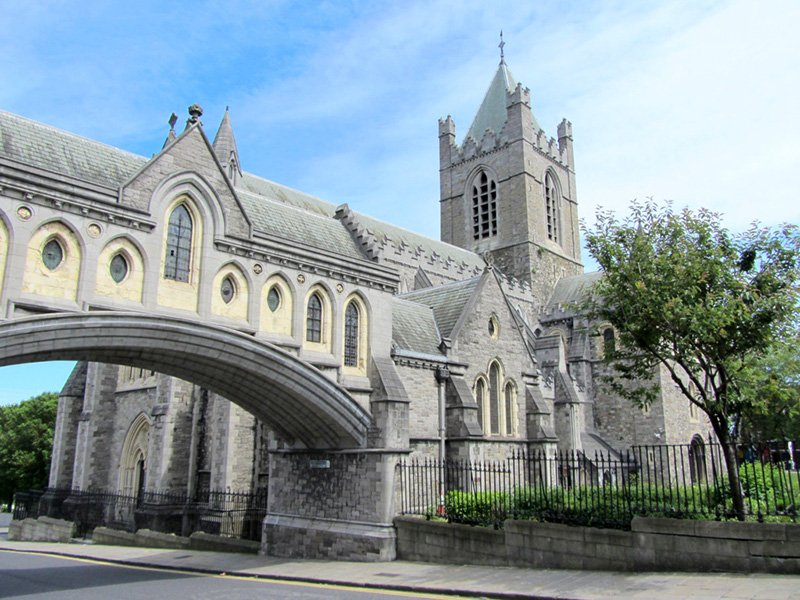 image of christ church cathedral in dublin ireland