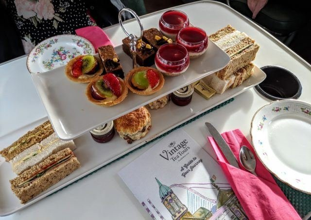 afternoon-tea-dublin-vintage-bus-tour